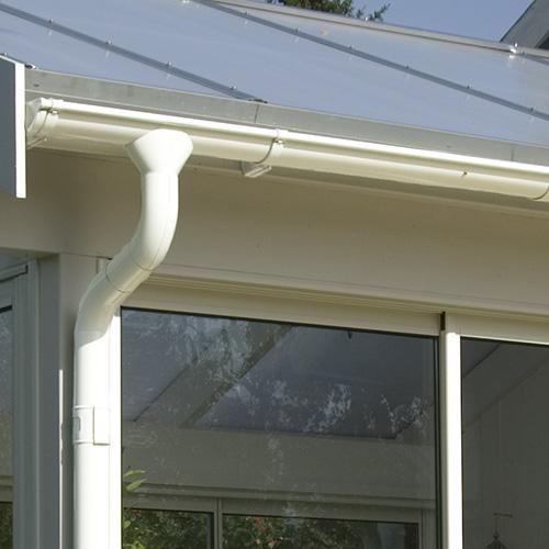 För veranda med valmat tak Takavvattning För valmat tak 14,4 m²