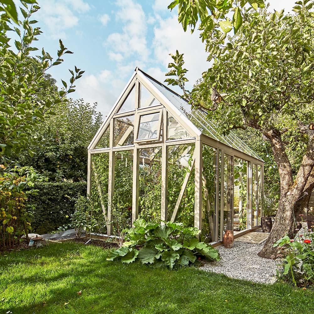 Växthus i trä med sadeltak Växa 13,2 m² 13,2 m² thumbnail